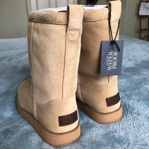 575e477251 UGG Shoes - UGG classic short waterproof